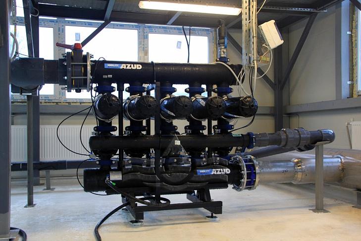 первая ступень: автоматический самопромывной дисковый фильтр azud helix 4dcl 5/8 fx